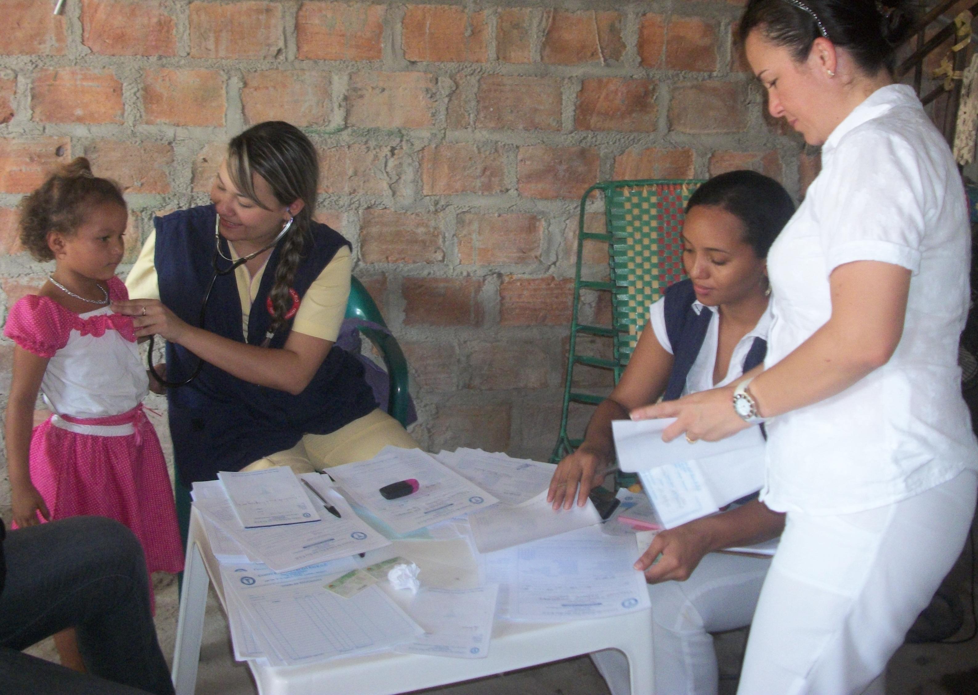 Centro-de-Salud-Paz-del-Río-realizó-una-serie-de-brigadas-de-salud-en-los-diferentes-barrios-corregimientos-y-veredas-del-Municipio-de-Fundación